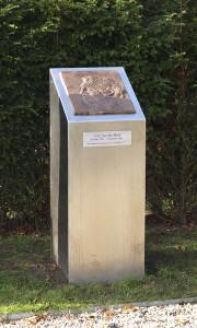 monument  Cor van der Hart
